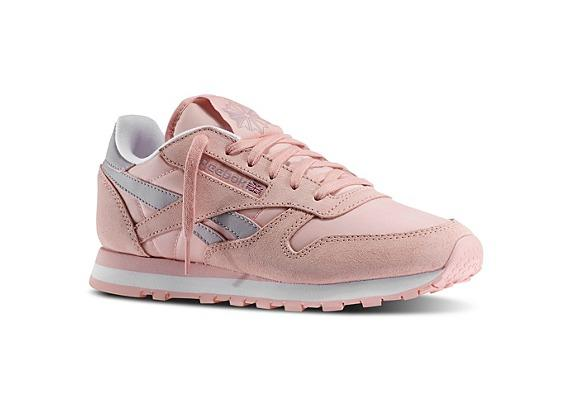 reebok classic leather suede womens trainers in light pink