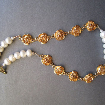 White Pearl and Golden Roses Necklace