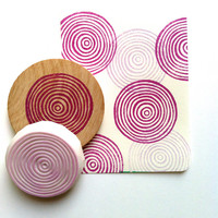 circle rubber stamp. hand carved rubber stamp. hand carved stamp. circle pattern. spiral circles. gift wrapping. diy projects. mounted.
