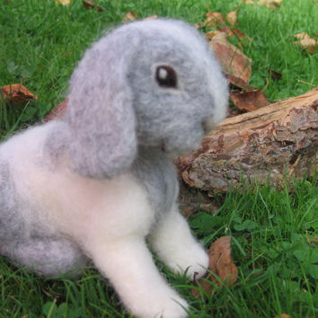 Needle felted bunny. Needlefelt animal. needlefelt bunny. needle felted rabbit. Handmade. Soft sculpture. Lovely gray and white rabbit.