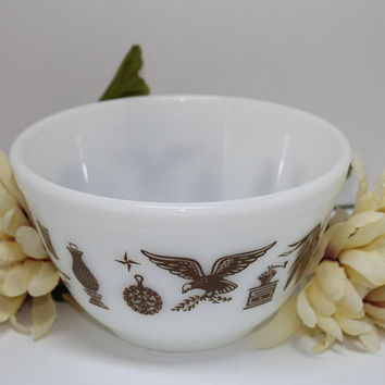 Vintage Pyrex 1 1/2 Pint Small Mixing Bowl Brown Federal Eagle Design