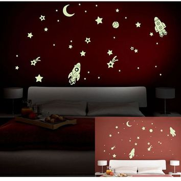 Vinyl Fluorescent stars glow in the dark home decor Luminous space Planets rocket UFO astronaut Wall Stickers for kids baby room
