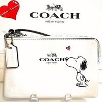 COACH X Peanuts SNOOPY Ltd. Ed White Calf Leather Wristlet Clutch Wallet NWT