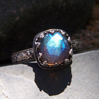 Midnight Princess Ring - 8mm Rose Cut Labradorite in Heart Crown Bezel Sterling Silver ring