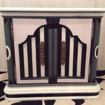 Vintage Art Deco Nightstand