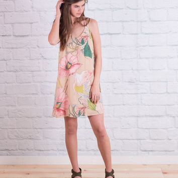 Exotic Floral Strappy Straps Dress