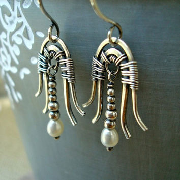 Art Deco jewelry, silver and pearl wire wrapped egyptian art deco earrings, vintage style 20s 30s bridal/wedding/occasion jewellery