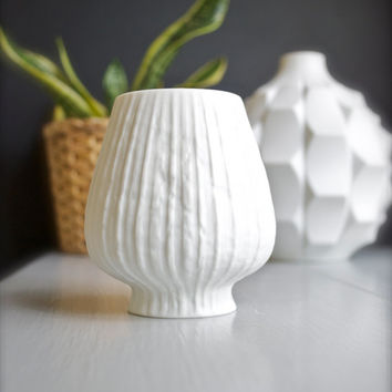 "ON SALE Martin Freyer for Rosenthal Modernist Matte White Porcelain ""Onion"" Vase"