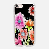Wild flowers on black iPhone 7 Carcasa by Julia Grifol Diseñadora Modas-grafica | Casetify