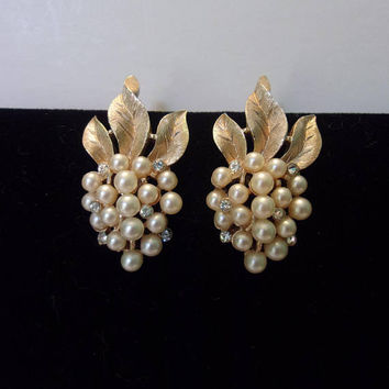 Trifari Rhinestone Faux Pearl Earrings Vintage Textured Strawberry Grape Gold Plate Designer Clip On 1 1/4""