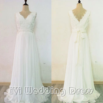 2016 Boho Wedding Dress Scalloped V-neck and V-back Lace and Chiffon Beach Bridal Gown Custom Made
