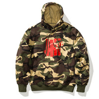 UNDEFEATED X GEARS OF WAR WOODLAND WAR LOGO PULLOVER HOODIE - WOODLAND CAMO | Undefeated
