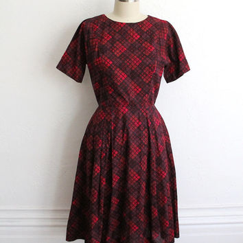 Vintage 60s Red Maroon Cotton A-Line Short Sleeve Dress // Printed Party Dress