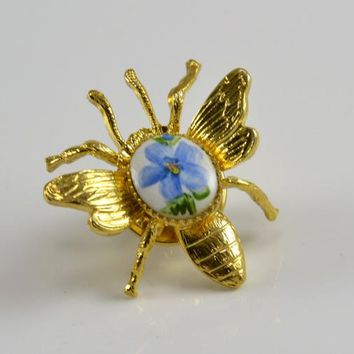 Ballou Lapel Pin Tie Tac - Bee Bug Gold Tone Hand Painted Ceramic Flower Center - Vintage