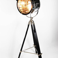 Hollywood Tripod Floor Lamp | 100essentials.com