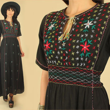 ViNtAgE 70's Black Cotton Embroidered Maxi Dress // Hungarian Style Embroidery // Smocked Festival Dress // Bohemian BoHo Hippie Gypsy M
