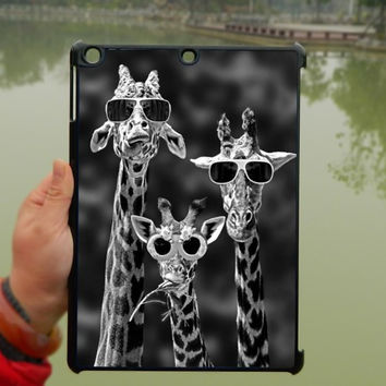 Three Giraffes iPad Case,iPad mini Case,iPad Air Case,iPad 3 Case,iPad 4 Case,ipad case,ipad cover, ipad mini cover ipad air,iPad 2/3/4-169
