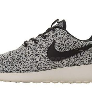Nike Wmns Roshe Run Rosherun Splatter Pack Womens NSW Running Shoes 3 Select 1