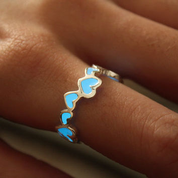 "GLOW in the DARK ""Hearts Ring"""