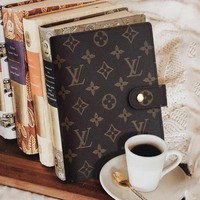 LV classic old flower retro hand book #4