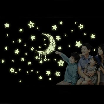 Hot Sale wall stickers home decor poster adesivo de parede Moon Stars Removable Night Glow  in the Dark home decor XT