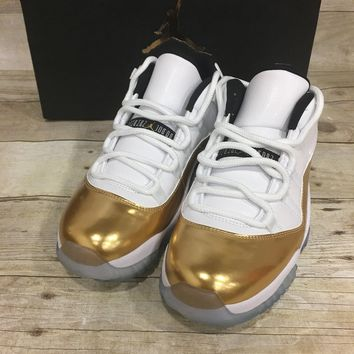 Air Jordan 11 Retro Low (White / Mtlc Gold Coin-Black) - 528895103