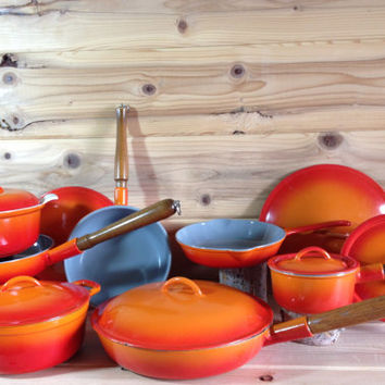 Descoware Belgium 2 Qt Dutch Oven Stock Pot Orange Flame with Lid - Le Creuset Cast Iron Enamelware White Glissemaille Interior