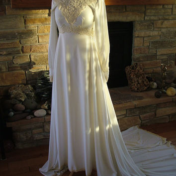 1970s wedding dress watteau train ecru lace bridal gown hippie chic