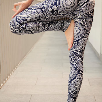 ALLURE lace-waist yoga leggings