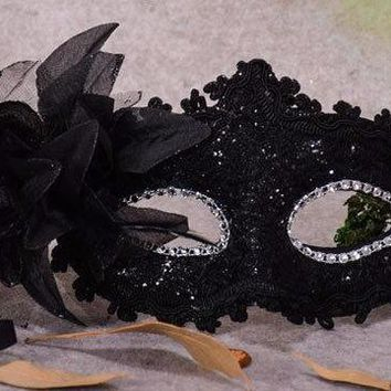 Chicloth Feather Dance Party Makeup Halloween Mask