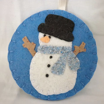 Primitive Snowman Ornament Felt Christmas Decoration Penny Rug