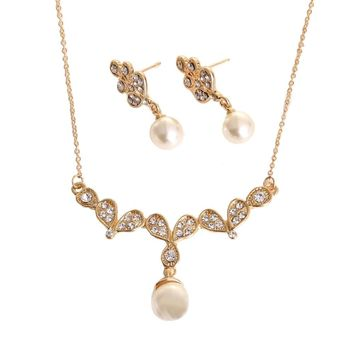 Fashionable Zinc Alloy Dazzling Rhinestone Crystal Simulated Pearl Pendant Necklace with 1 Pair of Earrings Charm Jewelry Set for Women Girls Wedding Party Gift