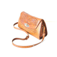 1960s tooled leather purse / carved embossed caramel leather 60s vintage structured tote hand bag