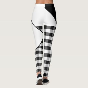 BLACK AND WHITE LEGGINGS SQUARE DESIGN
