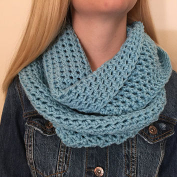 Chunky Infinity Scarf in Ice Blue, Thick Crochet Bulky Winter Scarf, Loop Scarf, Circle Scarf