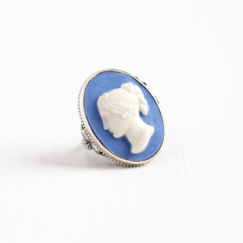 Vintage Sterling Silver Blue & White Ceramic Cameo Ring - Size 6 3/4 Molded Raised Art Deco 1930s Leaf Motif Statement Silhouette Jewelry