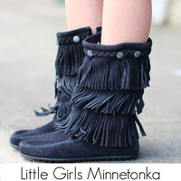 Minnetonka: Girls 3-Layer Fringe Boot {Black}