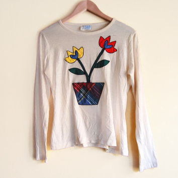 Vintage 70s Long Sleeve Shirt - 70s T Shirt 70s Shirt 70s Clothing Novelty Print Top Light Sweater 70s Embroidered Shirt Flower T shirt
