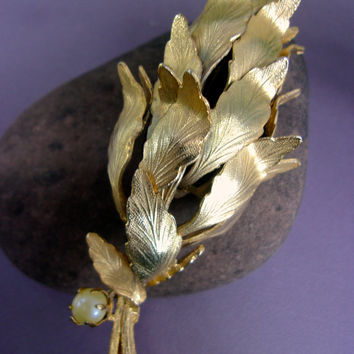 Layered Metal Petals Flower Brooch, Antique Gold Tone, Satin Etched, Glass Pearl, Vintage