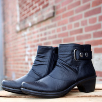 Wynne by Easy Street {Black} | 40-6641