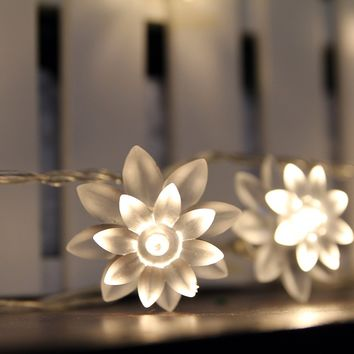 InnooTech String lights Battery Operated Lotus Flower Fairy Lights 40 Blue for indoor outdoor