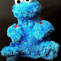 Sesame Street Count & Crunch Cookie Monster Plush Toy Cookies Backpack Laugh