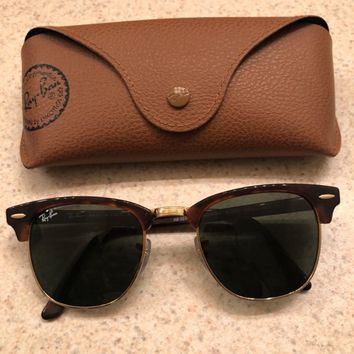 Ray-Ban RB3016 Clubmaster Unisex Sunglasses with Tortoise Frame