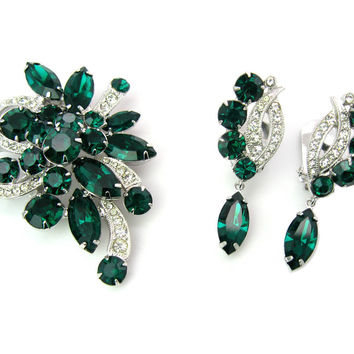 Eisenberg Jewelry Set. Rhinestone Brooch & Dangle Earrings. Emerald Green Ice Crystal Ribbons. Silver Tone. Vintage 1970s Fashion Jewelry