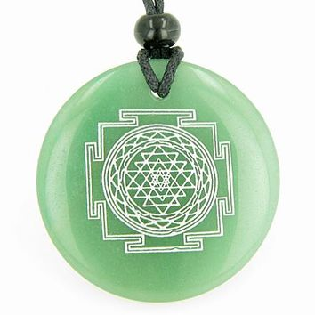 Sri Yantra Chakra Talisman Green Aventurine Magic Gemstone Circle Good Luck Powers Pendant Necklace