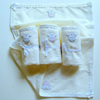 PRACTICAL DIAPER MAT, Cute Applique embroidery with zig zag finish,very light only 50gr, waterproof cotton towel