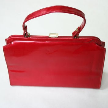 1950's red purse, vinyl hand bag, shiny patent leather purse medium sized hand bag, VLV, vintage bag