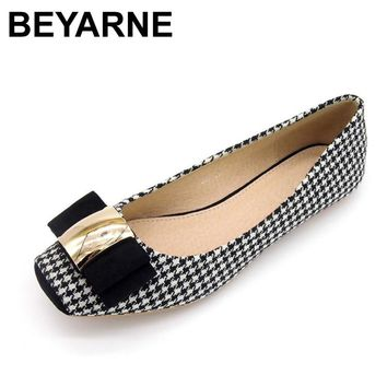 BEYARNE Women Shoes Woman Ballet Flats Plaid Cloth Shoe Bowknot 3b426f705f