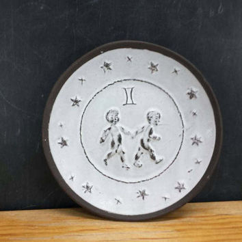 Gemini Plate Wall Hanging Vintage Astrology Zodiac Air Sign May June Birthday Gifts Twins Castor Pollux Celestial Home Wall Decor Boho