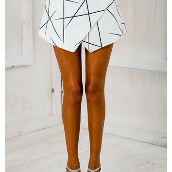 ♡Black & White Wrap Origami Asymmetrical Shorts ♡